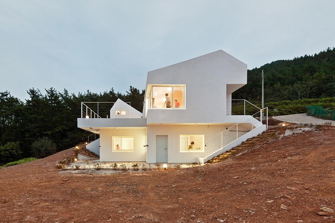 © Kyungsub Shin. ImageNet Zero Energy House / Lifethings